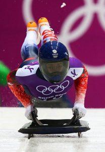 Lizzy-Yarnold-start-sochi-race1